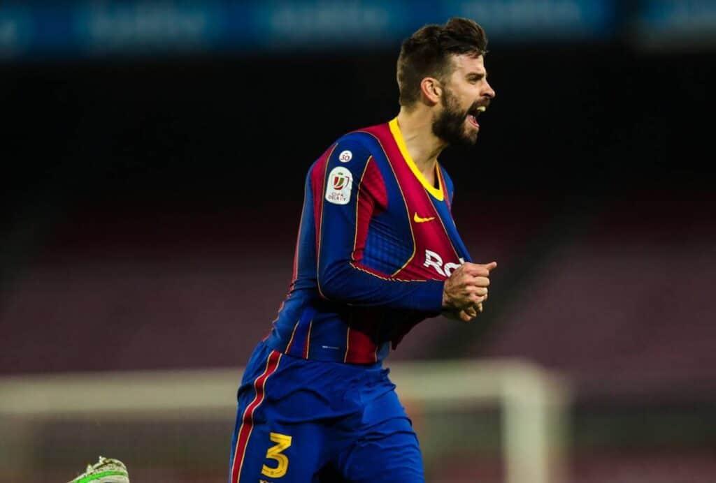 صدمة مفاجئة في نادي برشلونة بشأن اللاعب بيكيه