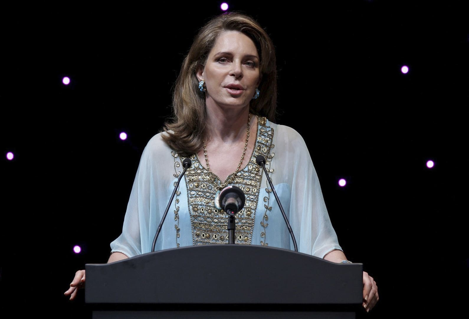 الملكة نور الحسين ماذا يحدث في الأردن
