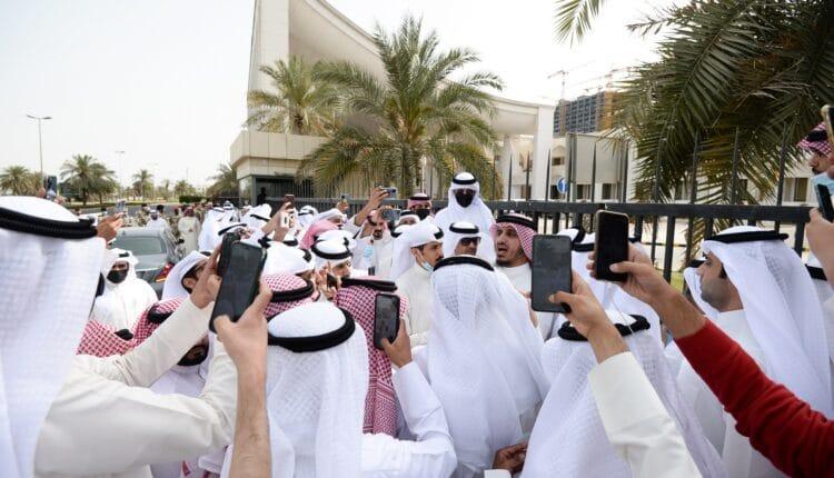 كاتب سعودي يتطاول على الكويتيين بسبب بدر الداهوم