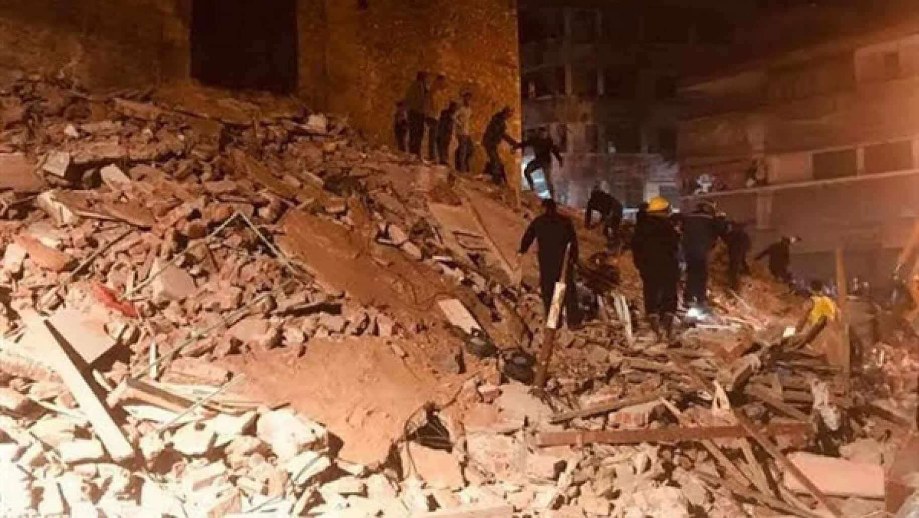 فاجعة جديدة في مصر.. انهيار مبنى سكني من 10 طوابق على قاطنيه وهم نيام