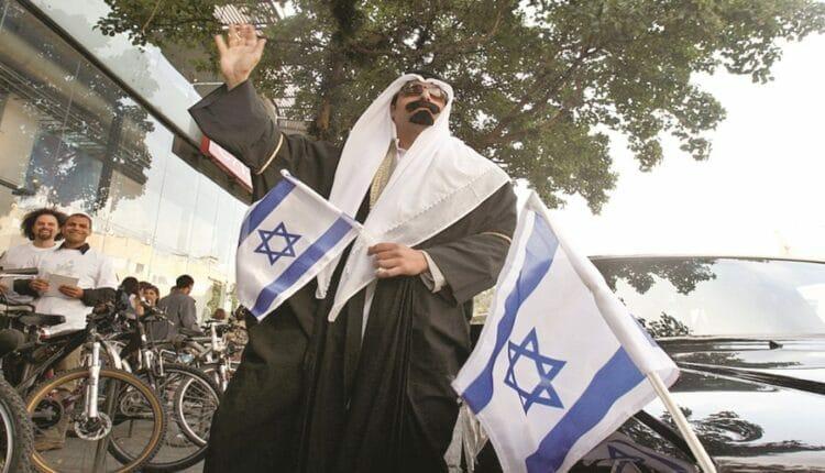 سعود الفوزان يثير الجدل بما قاله عن أبناء عمه في إسرائيل