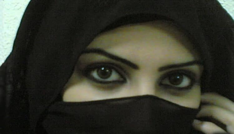 """فتاة سعودية من الطائف تعرض نفسها لـ""""زواج المسيار"""""""
