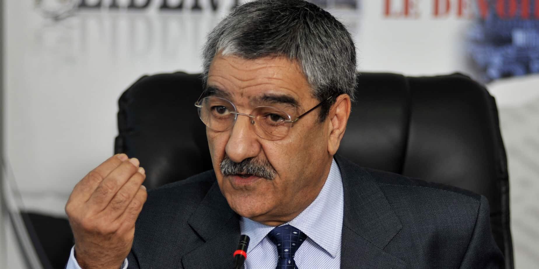 سخرية واسعة من سياسي جزائري تحدث عن التربية الدينية وهاجم الإسلاميين