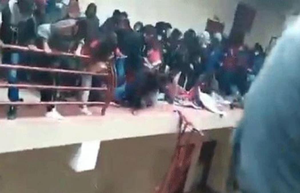 حقيقة الفيديو الذي نشر الذعر في مصر لشباب وبنات من داخل جامعة المنصورة