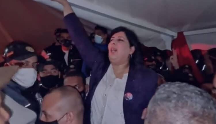 النائبة التونسية عبير موسى تهدد بالانتحار