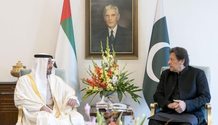محمد بن زايد غاضب من عمران خان وقرر معاقبة باكستان