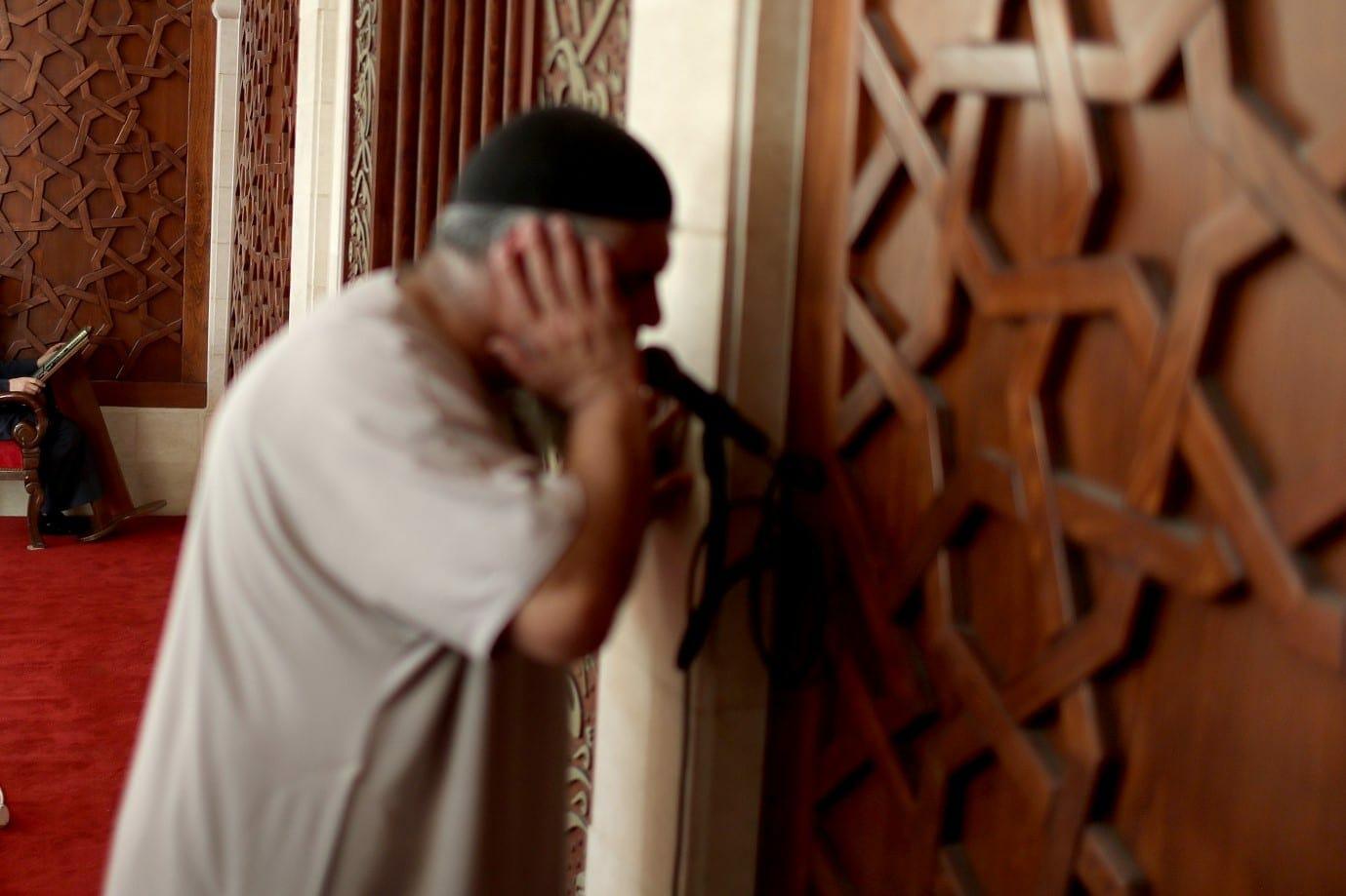 جريمة مرعبة في اليمن .. انزعج من صوت الأذان فقتل المؤذن بعد صلاة الفجر بطريقة صادمة!