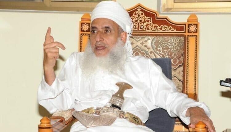 مفتي سلطنة عمان أحمد الخليلي يدعو للمسجد الأقصى بالتحرير