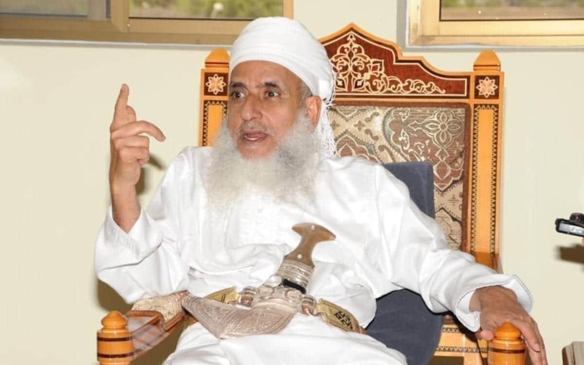 مفتي عمان يعلق على الأحداث التي تشهدها السلطنة: لا خير في أمة تأكل مما لا تزرع