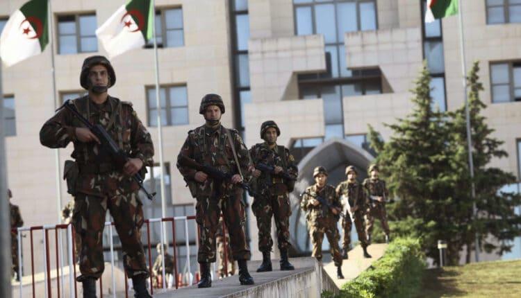 الجيش في الجزائر