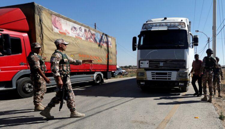 السعودية تمنع 400 شاحنة أردنية من دخول أراضيها