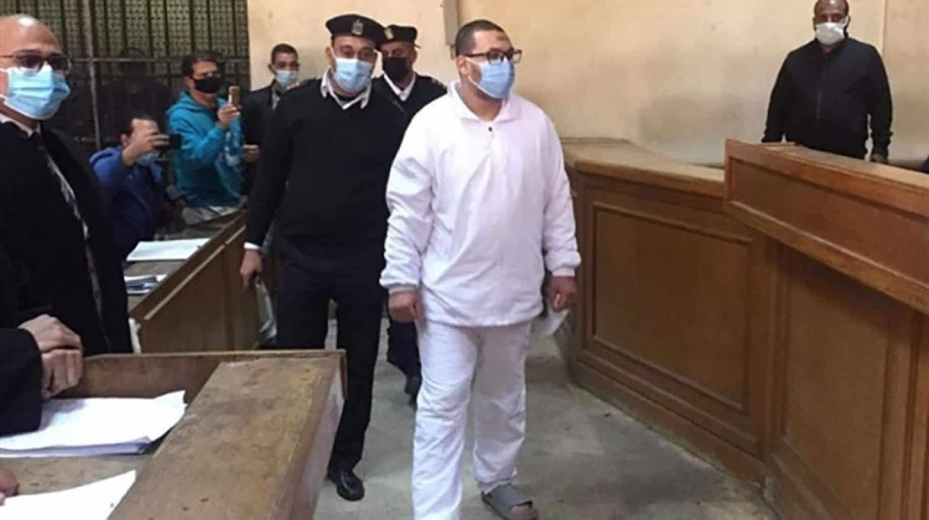 متحرش طفلة المعادي ينهار داخل المحكمة