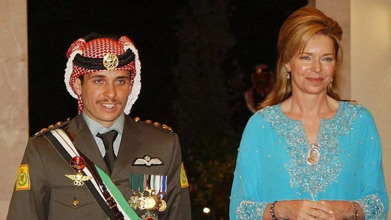 هذا ما فعلته الملكة نور وأثارت تفاعلاً واسعاً على منصات التواصل فأين الأمير حمزة؟!