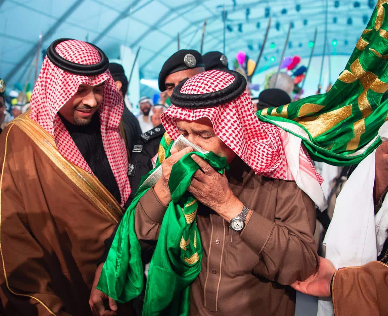 الموت يفجع الملك سلمان.. من هي والدة الأمير مشاري بن منصور ولماذا لم يذكر الديوان اسمها؟