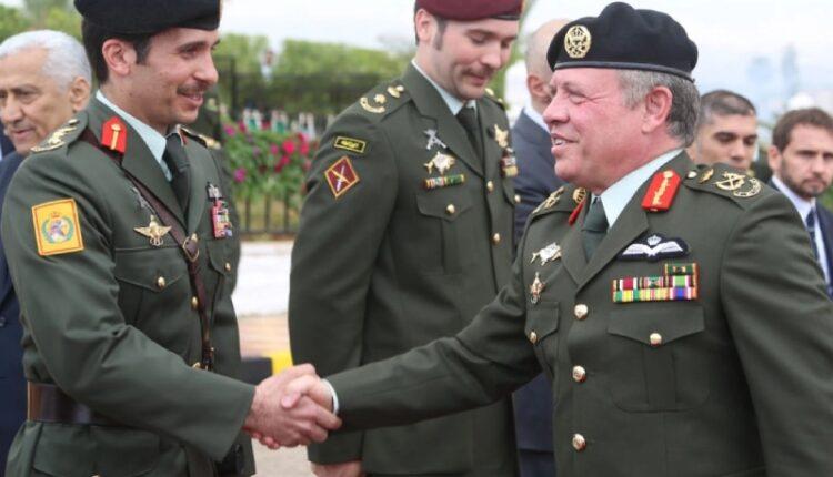 الملك عبدالله الثاني يوكل لعمه الأمير الحسن التعامل مع موضوع الأمير حمزة