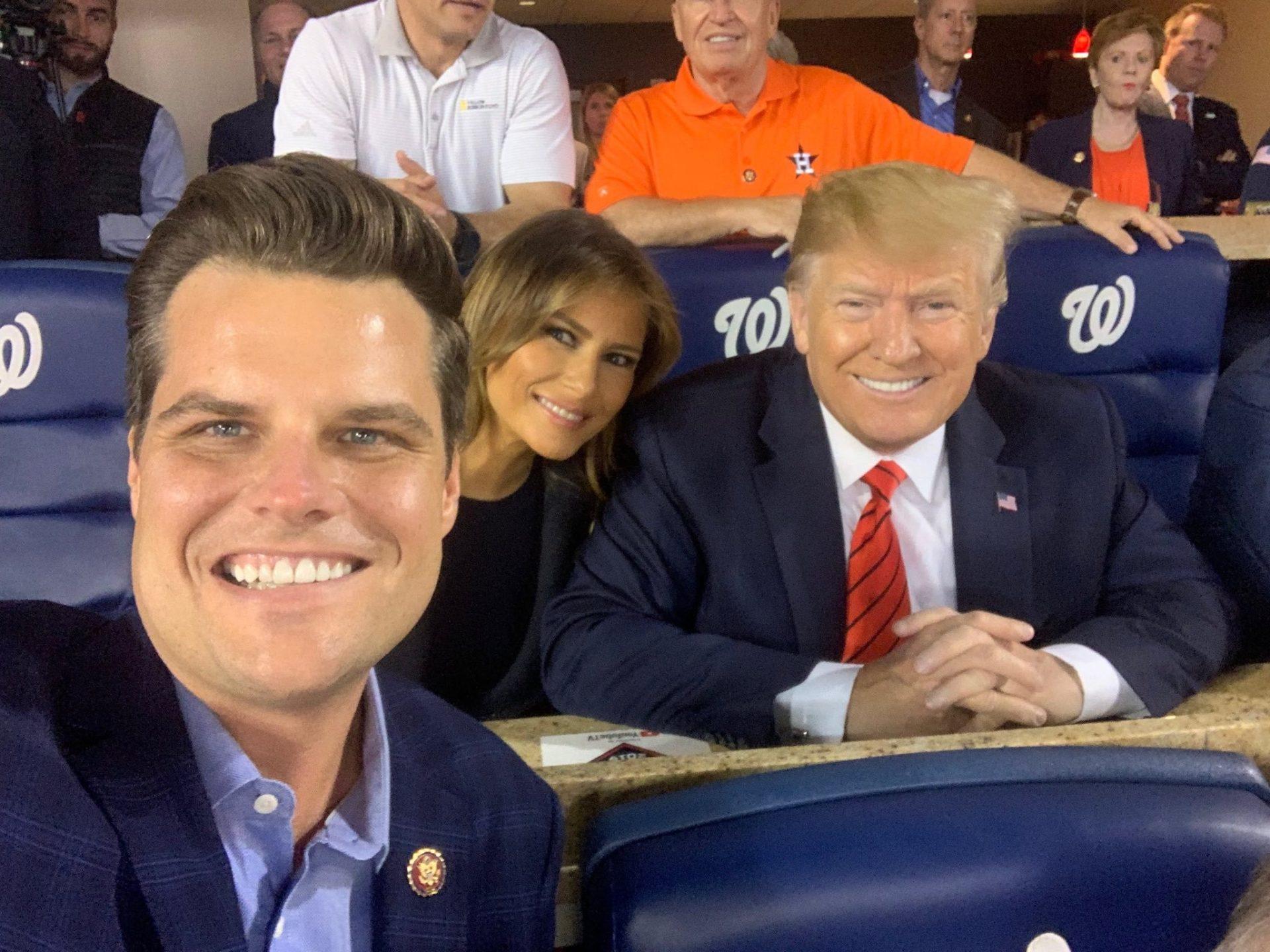 فضيحة جنسية تهز الكونجرس  بطلها صديق مقرب من ترامب .. يُطلع زملائه على صور عاريات!