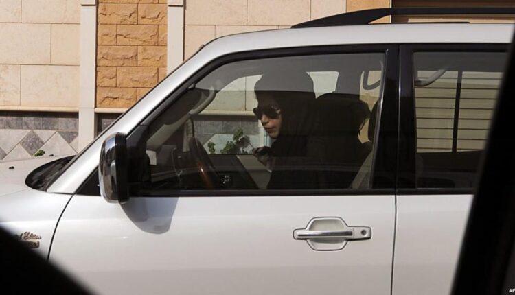 مقيمة مصرية في الكويت وثقت لحظة تعرضها للتحرش على أحد الطرق السريعة في نهار رمضان
