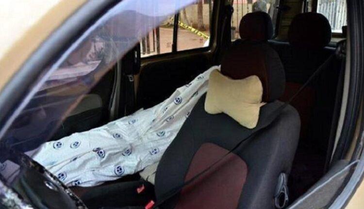 رجال الأمن في الكويت عثروا على شاب متوفياً في سيارته إثر تلقيه طعنة نافذة في القلب