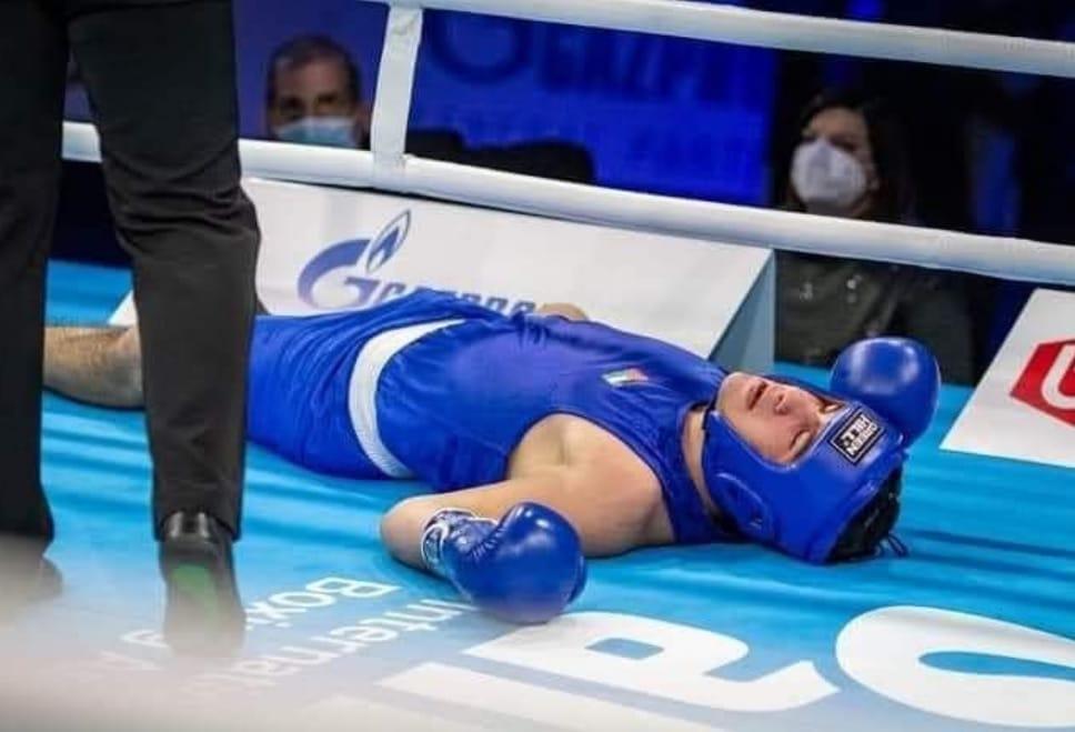 شاهد لحظة تلقي الملاكم الأردني راشد صويصات الضربة القاضية التي أنهت حياته فوراً