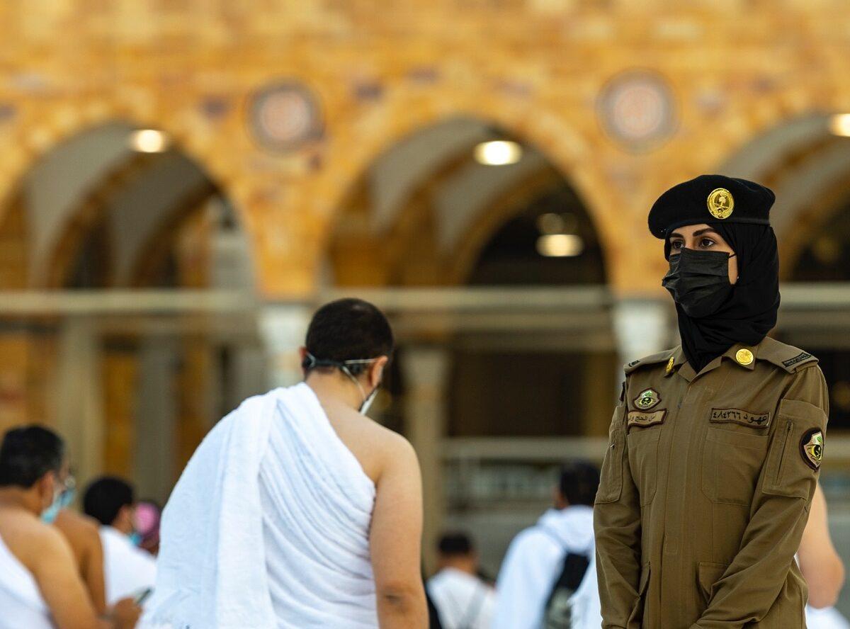 اسرائيل تبارك للسعودية ظهور شرطية في الحرم المكي معتبرة الأمر انجازاً آخر