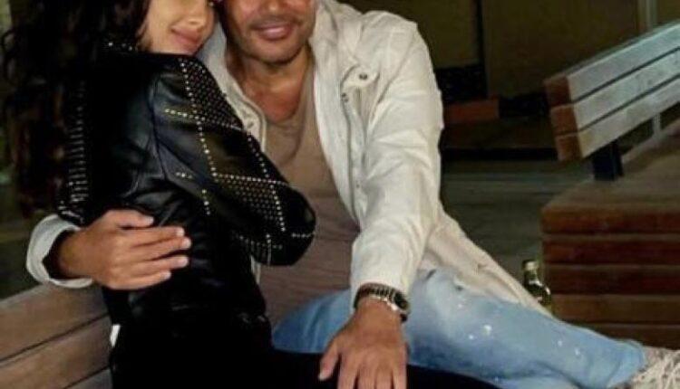 """نور الغندور نشرت صورتها مع عمرو دياب وعلقت عليها """"نقطة انتهى"""""""