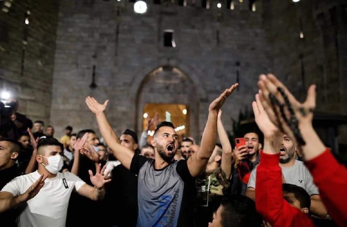 فرحة الفلسطينيين في باب العامود