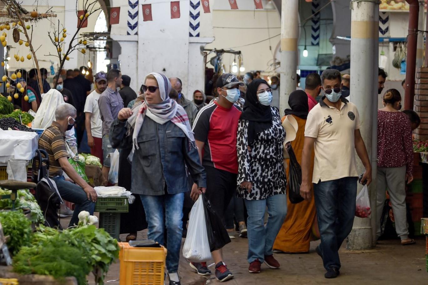 الوضع الوبائي في تونس يسير نحو منعرج خطير.. كارثة على الأبواب والتطعيم بات مسألة حياة أو موت