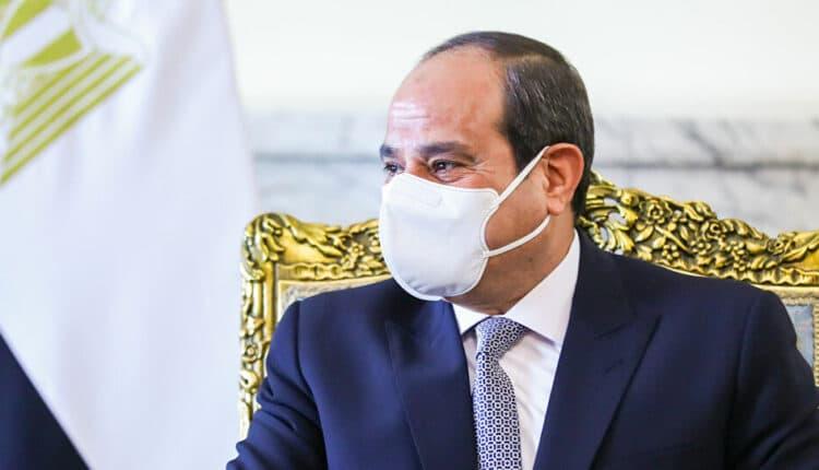 مستشار السيسي حذر المصريين من كورونا