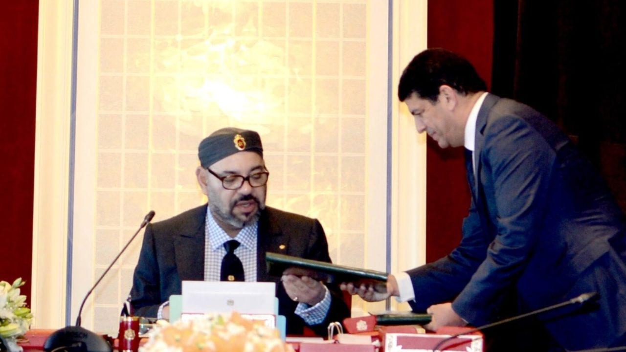 وبخه الملك ومنعه من السفر للإمارات.. لماذا منع محمد السادس أبرز المقربين من مغادرة الرباط