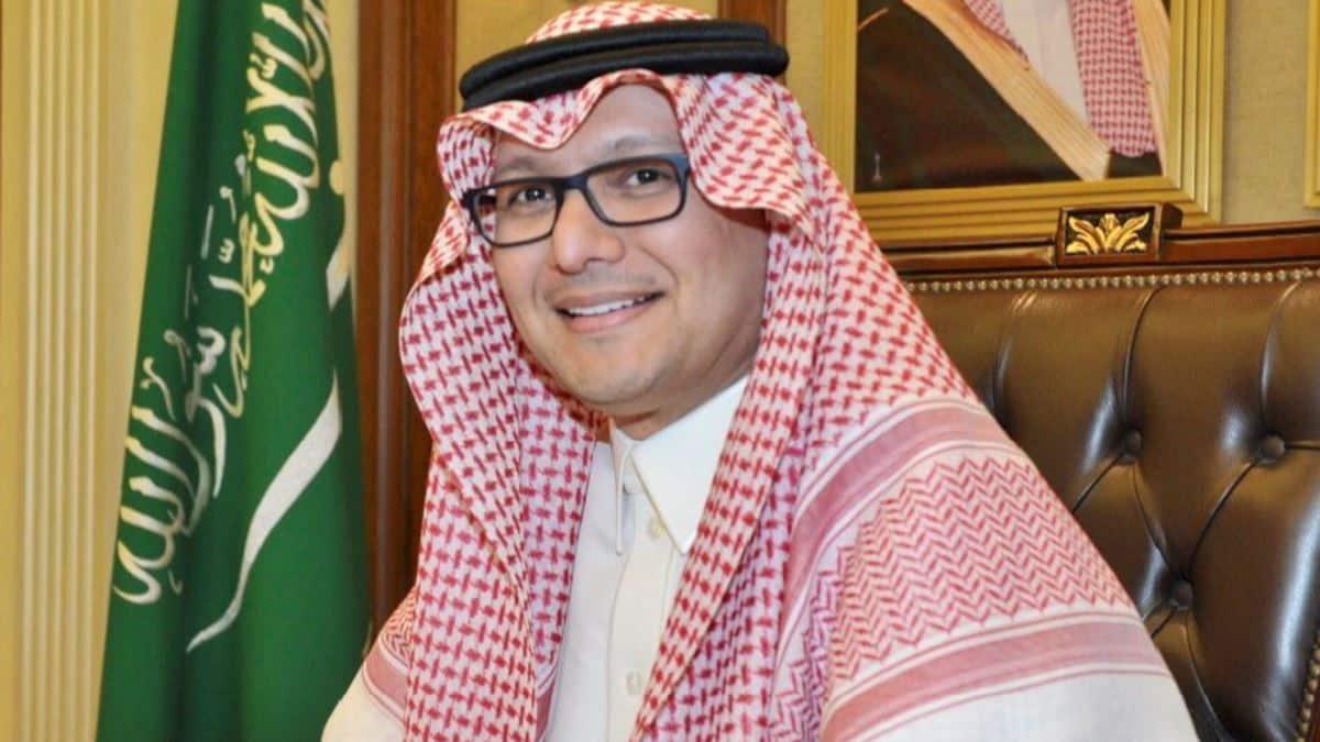 حظر دخول الخضار والفواكه من لبنان بدأ .. لماذا غادر سفير السعودية بعد ضبط 2.5 مليون حبة مخدر!