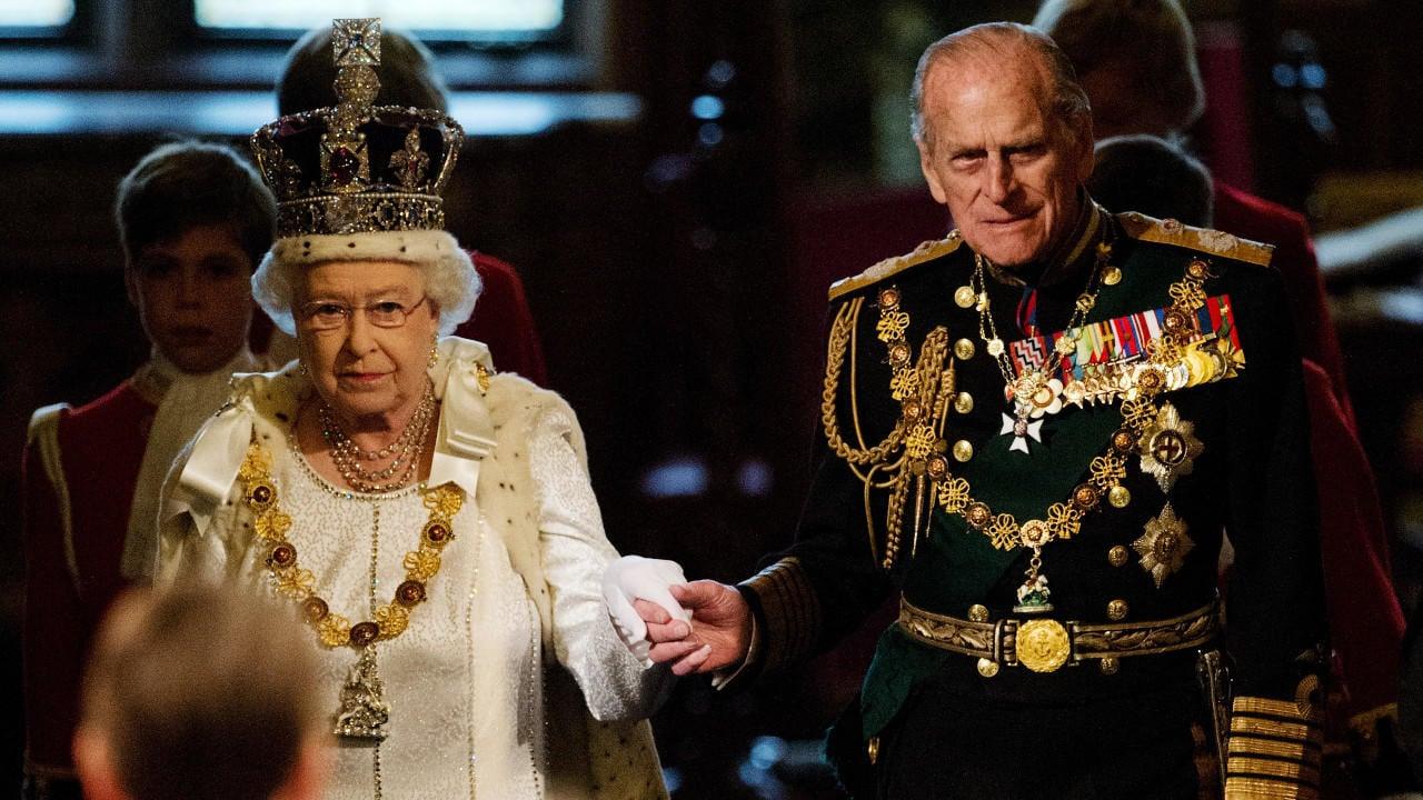 معلومات لا تعرفونها عنه .. شاهد آخر ظهور للأمير فيليب زوج الملكة اليزابيث الثانية قبل وفاته
