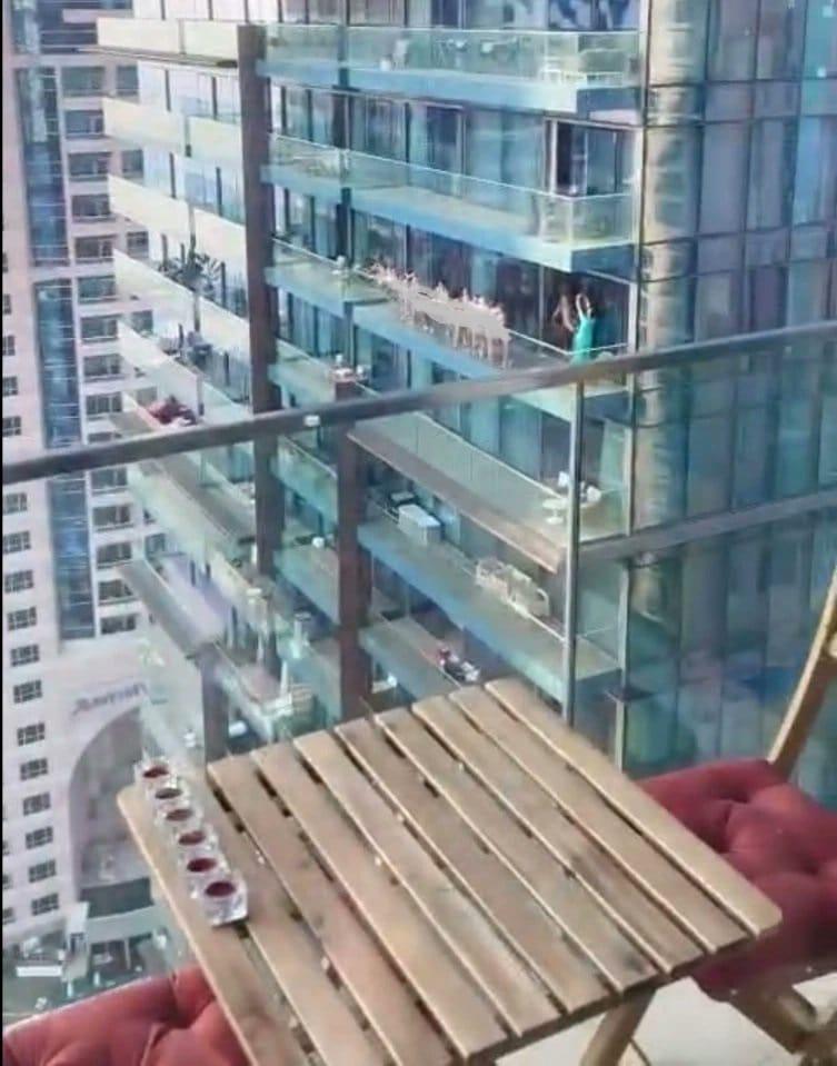 صورة من الفيديو المتداول لنساء عاريات في دبي