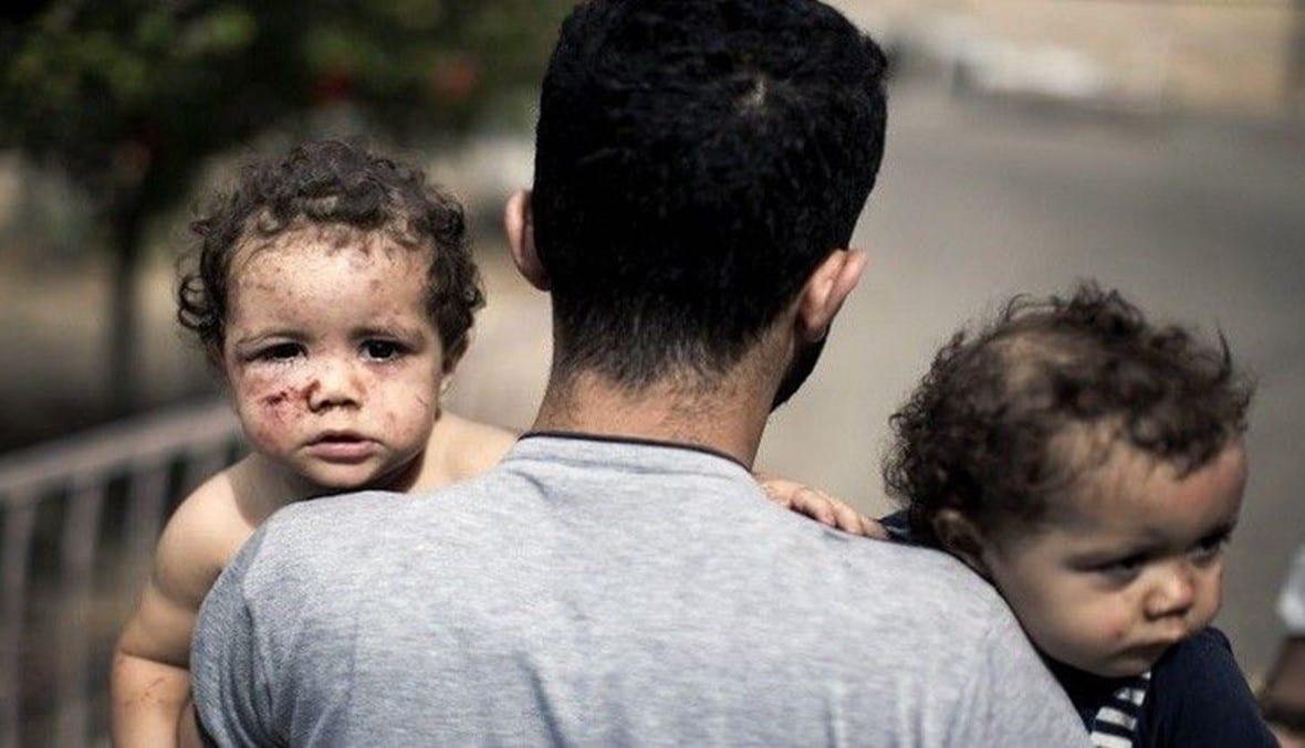 عائلات تتبادل أبنائها لضمان بقاء نسلهم.. هكذا يواجه سكان غزة العدوان الإسرائيلي كل ليلة