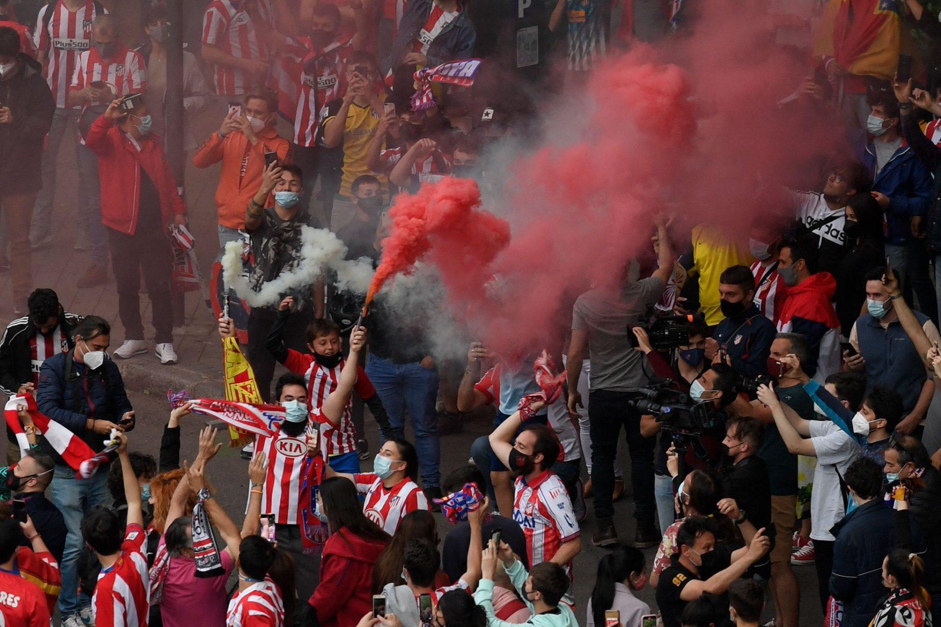 وفاة أحد مشجعي فريق أتلتيكو مدريد في الدوري الإسباني
