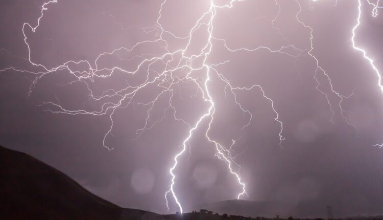 اخدود العطايا يؤثر على سلطنة عمان اليوم السبت