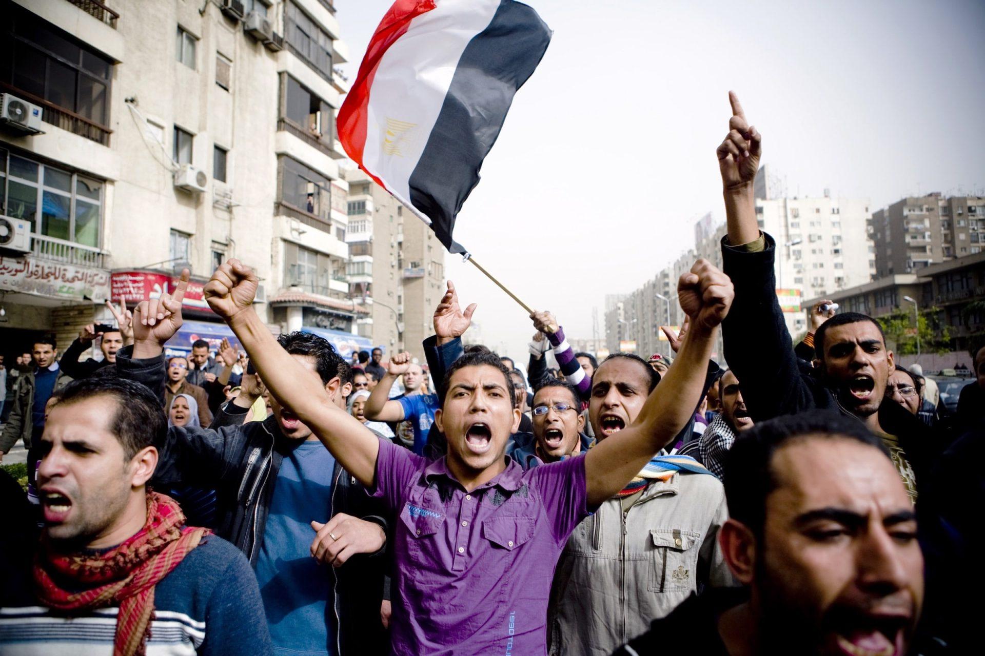 ذي أتلانتك: النشطاء العرب استعدوا جيداً لثورات جديدة وتعلموا من فشل الربيع العربي