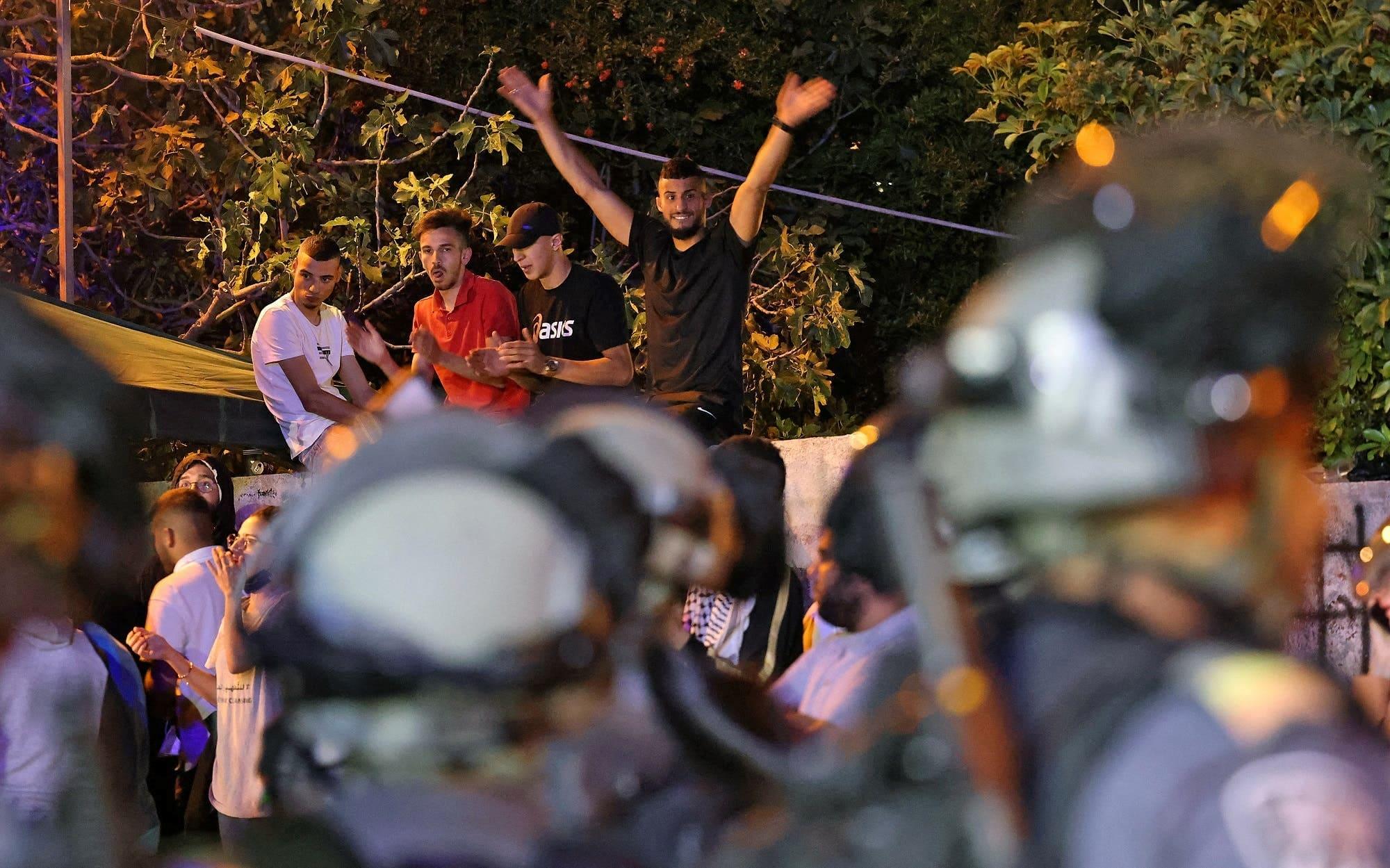 أنقذوا حي الشيخ جراح.. المواجهات تعود للحي الذي فجر هبة الفلسطينيين والاحتلال يعتدي على المقدسيين