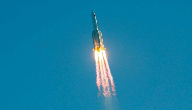 الصاروخ الصيني التائه