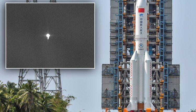 بث مباشر لتحليق الصاروخ الصيني قبيل سقوطه