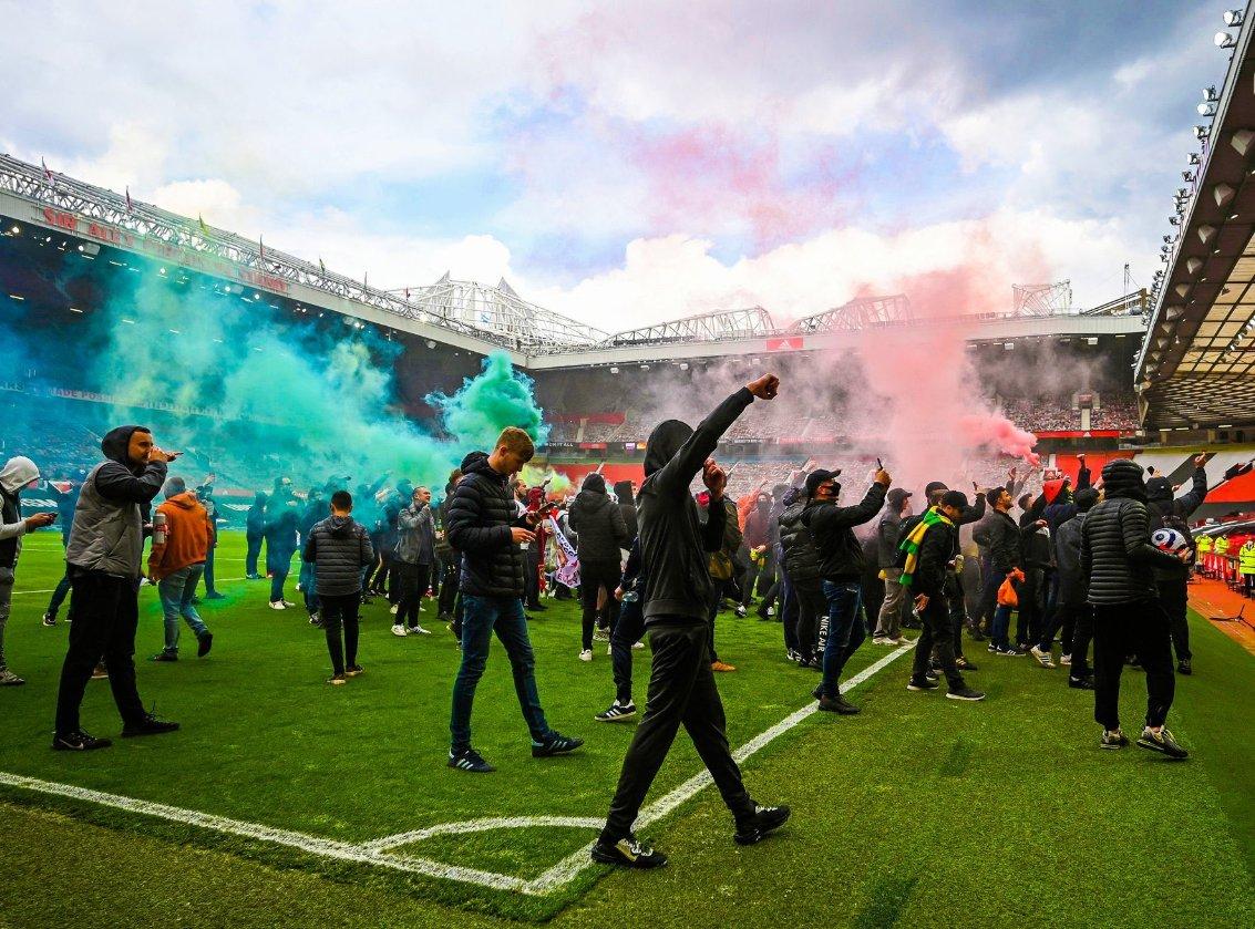 تأجيل مباراة ديربي الدوري الإنجليزي بين مانشستر يونايتد وليفربول لدواعي أمنية