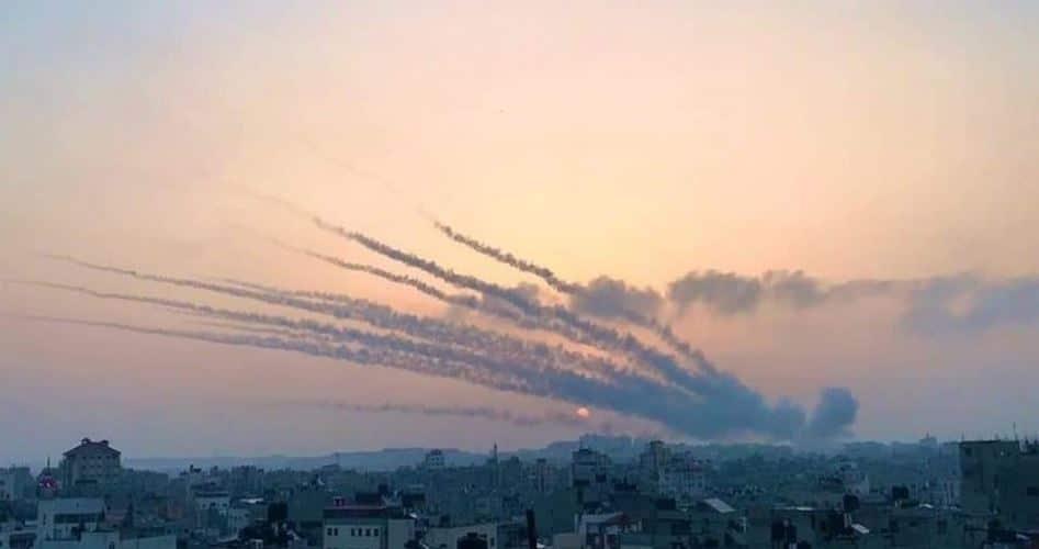 المقاومة تقصف تل أبيب