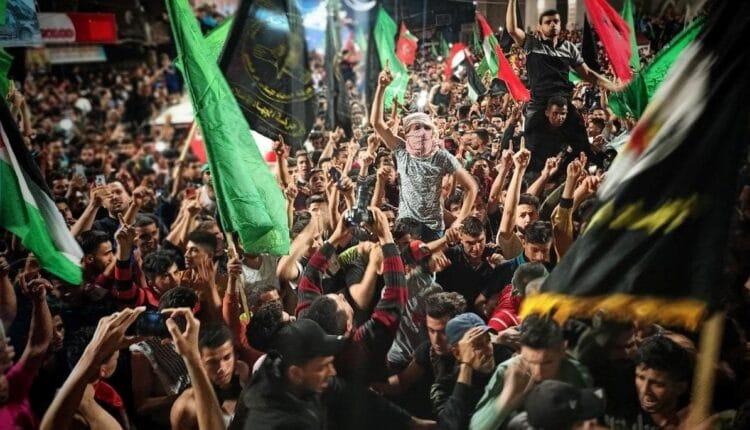 شعبية حماس في تزايد بالضفة الغربية على حساب فتح ورئيسها محمود عباس