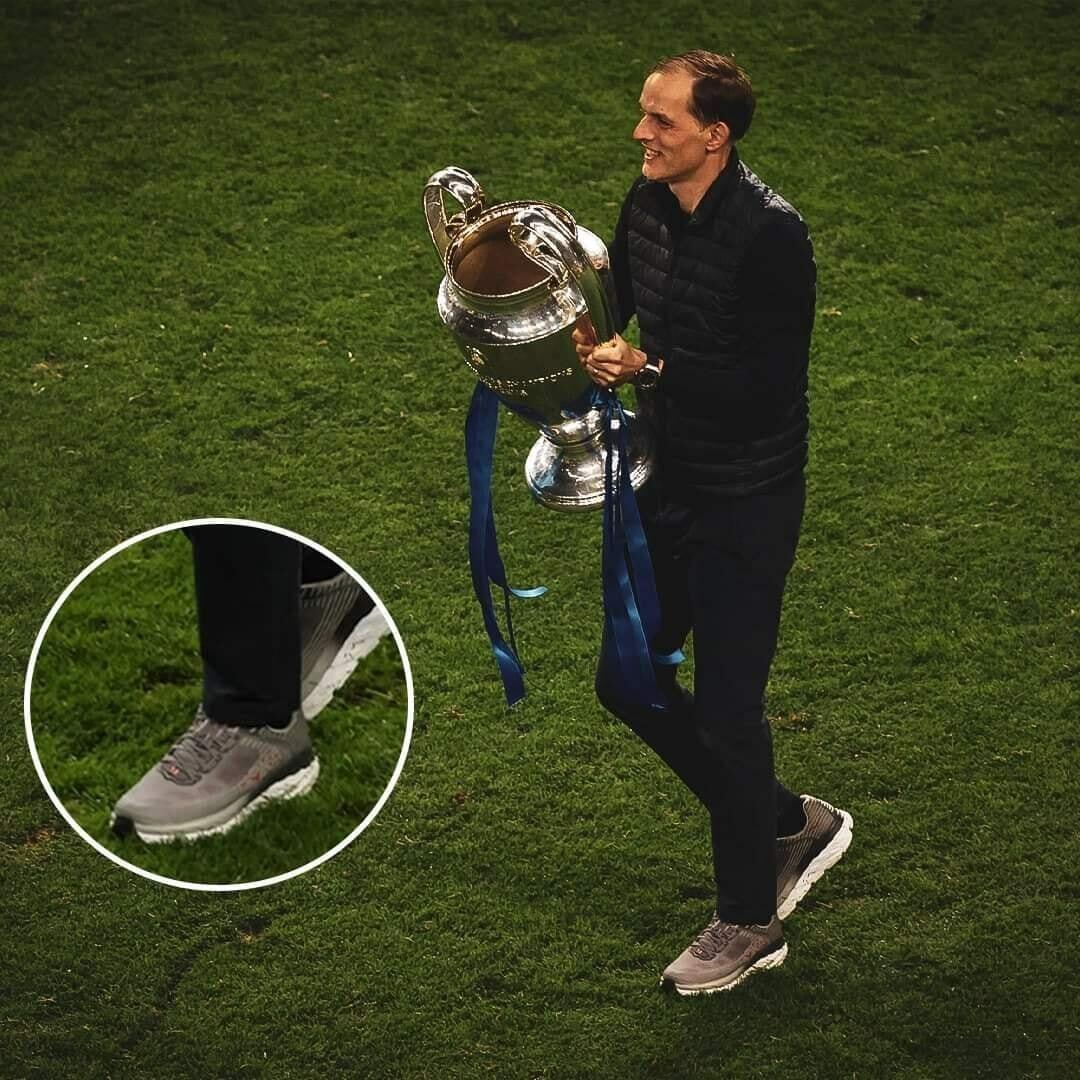 """""""توماس توخيل"""" يكشف عن سر ارتداء حذائه في نهائي أبطال أوروبا"""