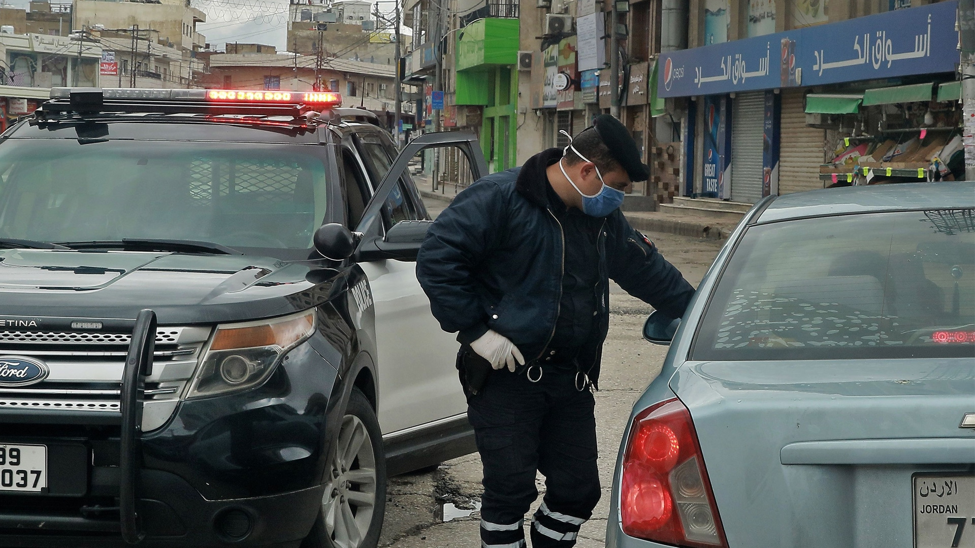 شاهد ما فعله أردني (لم يشم رائحة الرجولة) بزوجته في نهار رمضان يفجر غضب الأردنيين