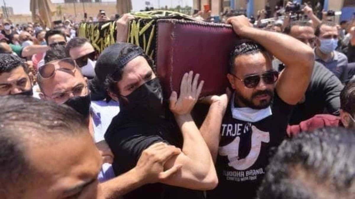 الصحة المصرية تعلن بحث حالة سمير غانم بدقة خوفا من كارثة (الفطر الأسود)