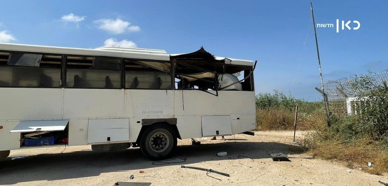كتائب القسام تستهدف حافلة لنقل الجنود في زيكيم بصاروخ موجه (شاهد)