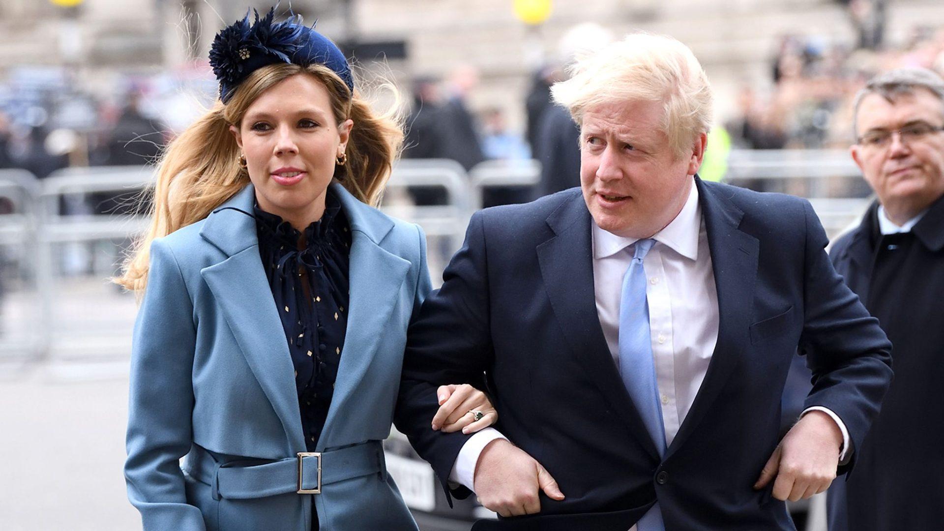 رئيس وزراء بريطانيا وخطيبته كاري سيموندز