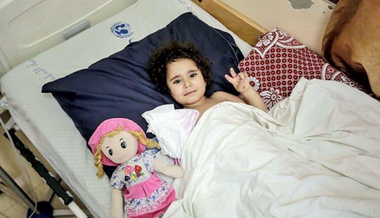 سارة المتربيعي طفلة فلسطينية أصيبت في العدوان الاسرائيلي على غزة