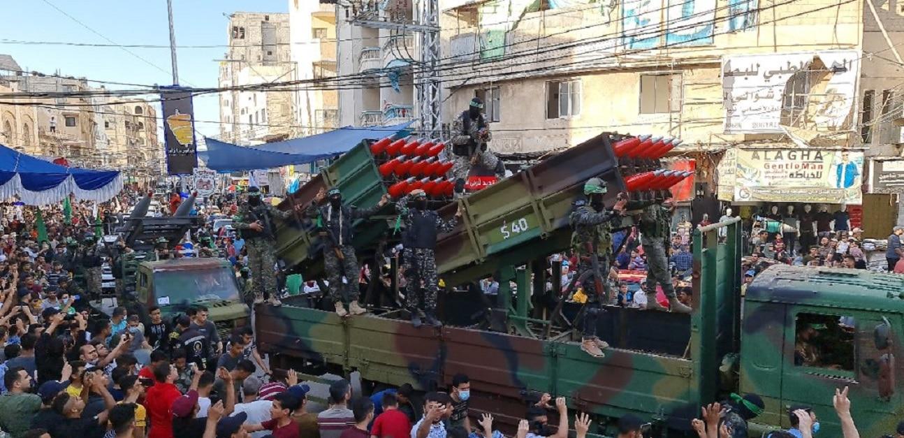 """أول عرض عسكري مهيب لكتائب القسام في غزة بعد العدوان الإسرائيلي """"فيديو"""""""