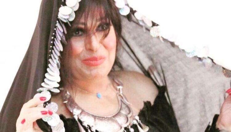فيفي عبده أبدت حزنها لوفاة سمير غانم